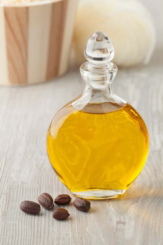 7 Ways to Use Jojoba Oil for Healthy Skin, Hair & Nails