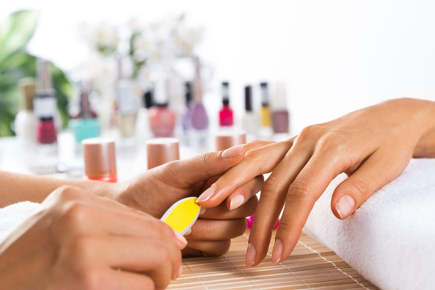 Gel vs Regular Manicures (And which is right for you?)