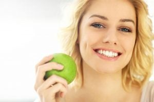 whiten teeth naturally | Beverly Hills MD