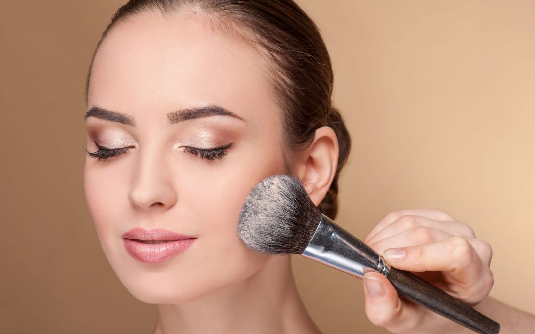 7 Secret Anti-Aging Makeup Tips (they're super easy!)