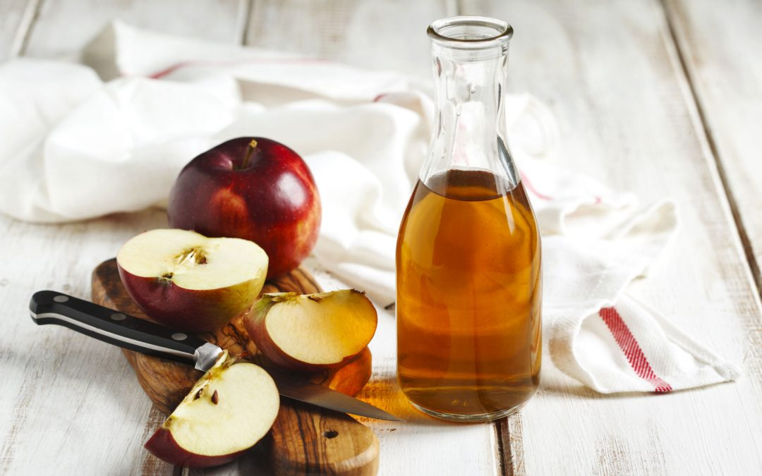 The Many Uses of Apple Cider Vinegar – for Beauty!