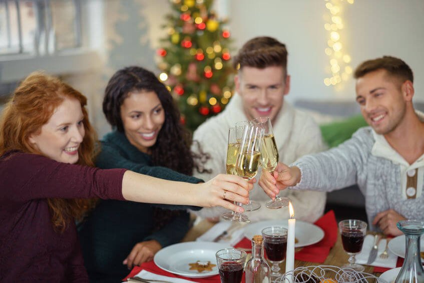 Easy Hosting Tips For Entertaining Dinner Guests: Have A Stress Free Holiday Party