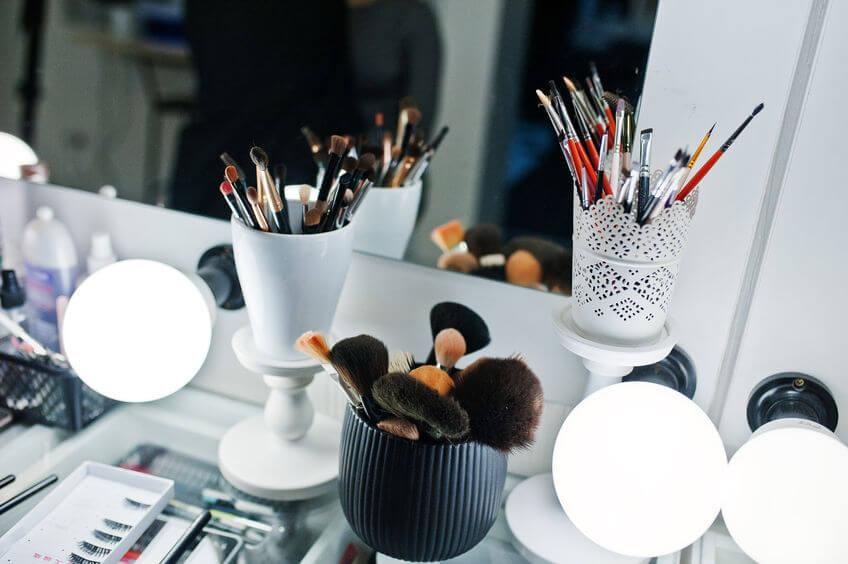 diy makeup brush holders   Beverly Hills MD