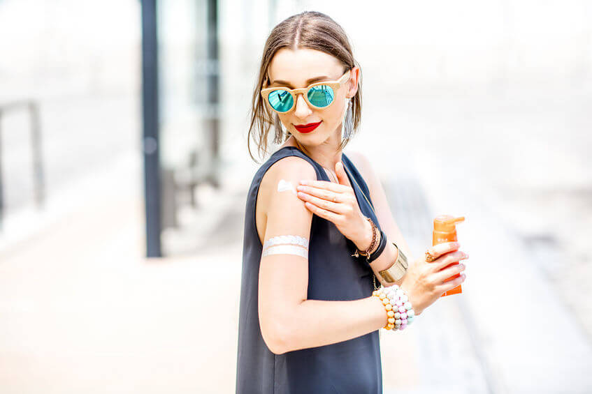 How To Apply Sunscreen With Makeup On: Smart Skin Care