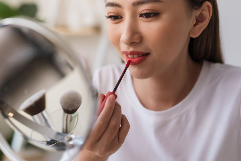 Spring And Summer Makeup Trends To Try This Year: 2020 Beauty Trends