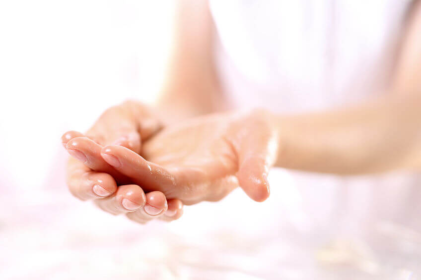 moisturizing hands | Beverly Hills MD