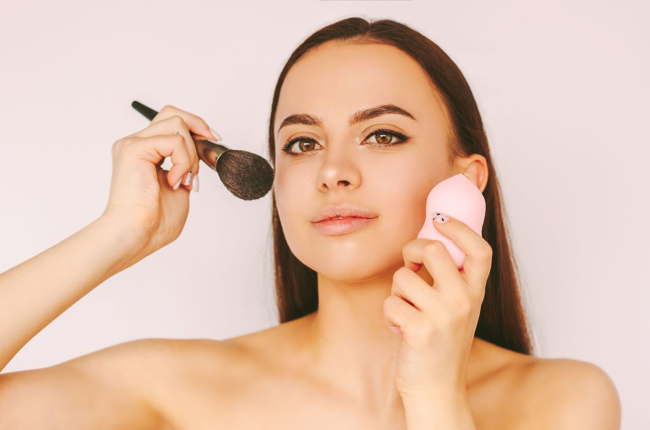 Foundation Brush Or Sponge Which One Is Better For Foundation Application Beverly Hills Md