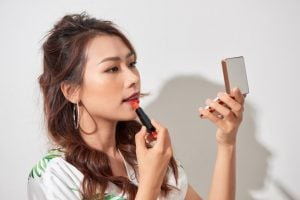 how to apply matte lipstick   Beverly Hills MD